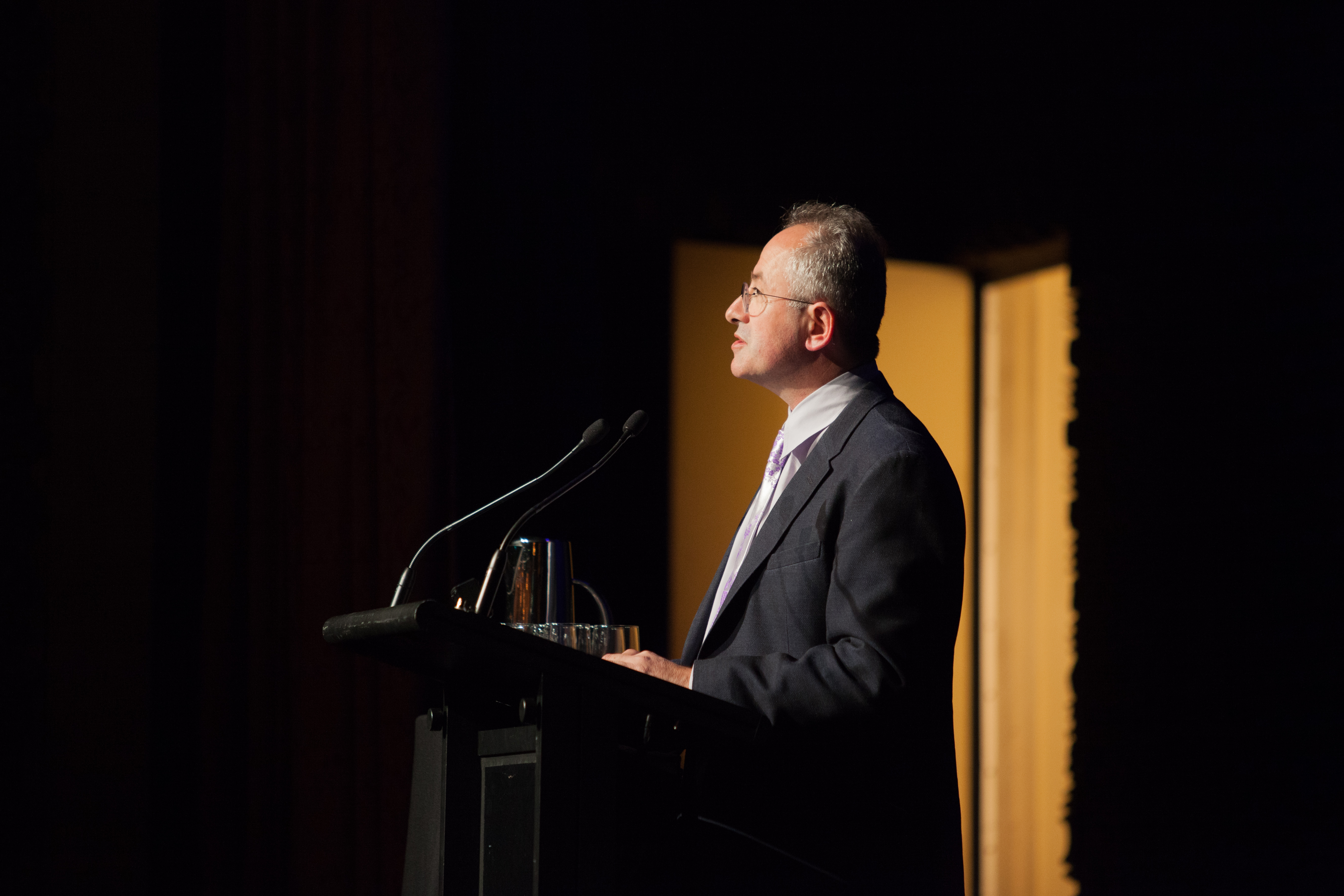 Andrew Denton presents his Argument (Connor O'Brien)