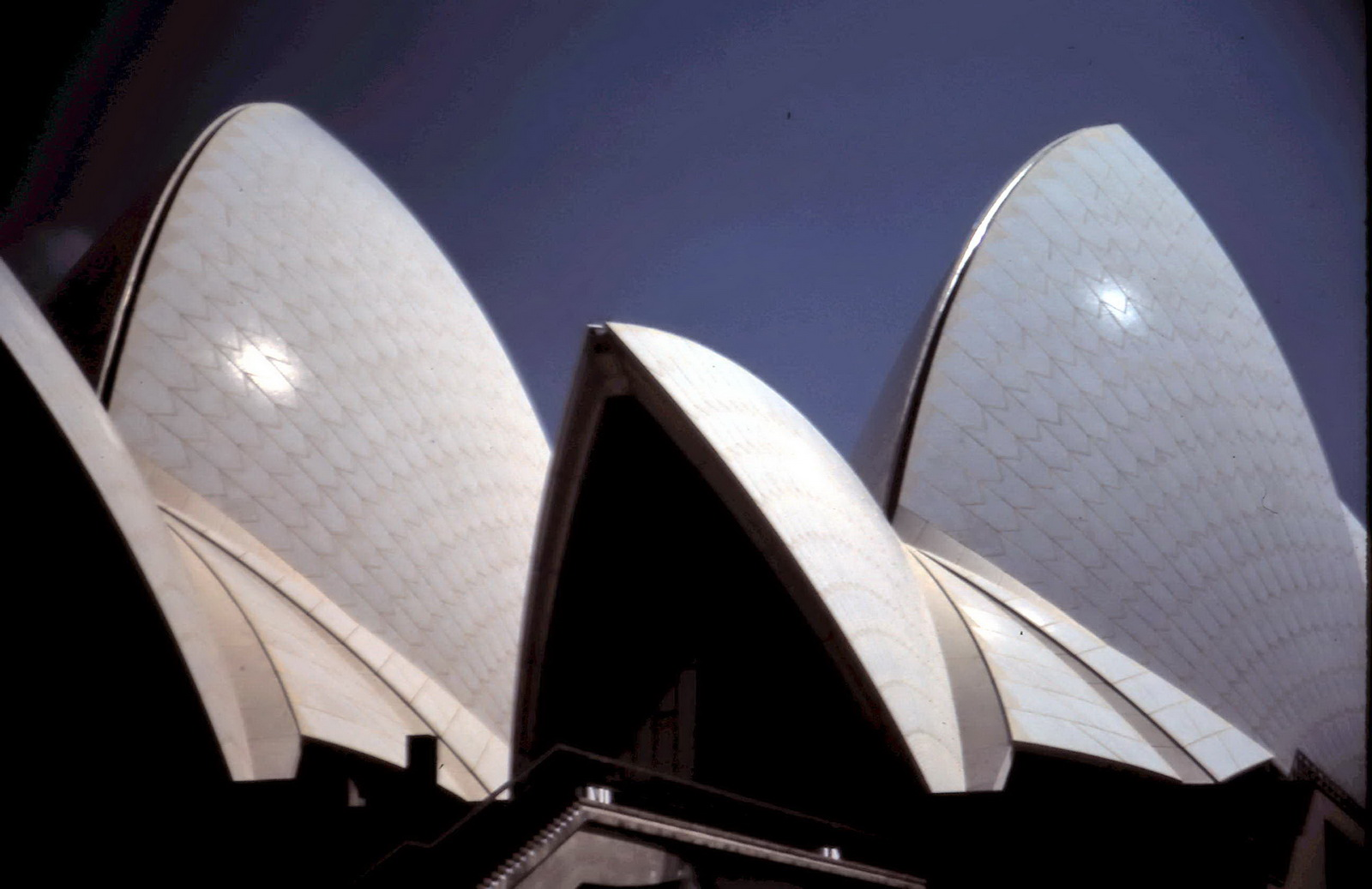 Sydney Opera House 1975, image by Gregory Melle, Flickr