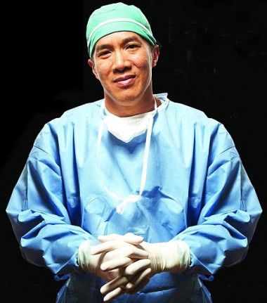 Brain surgeon Charlie Teo notes a disturbing rise in brain tumours around the ear.