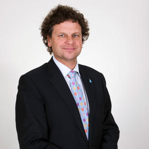 Portrait of Simon McKeon