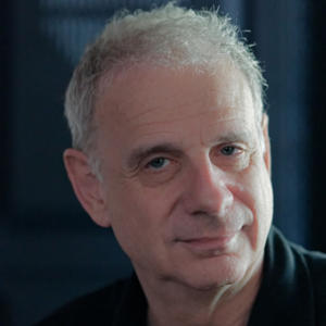 Portrait of James Gleick
