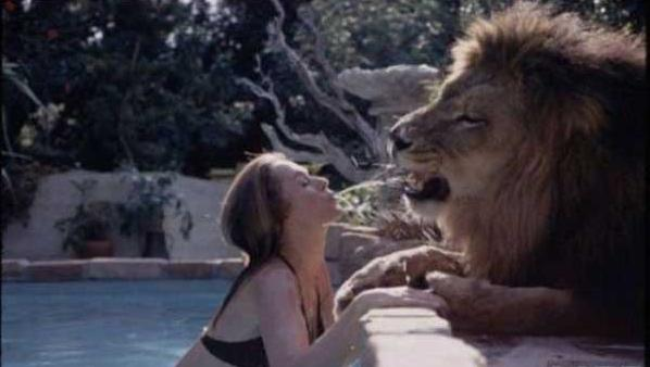 Tippi Hedren and her live-in lion, Neil.
